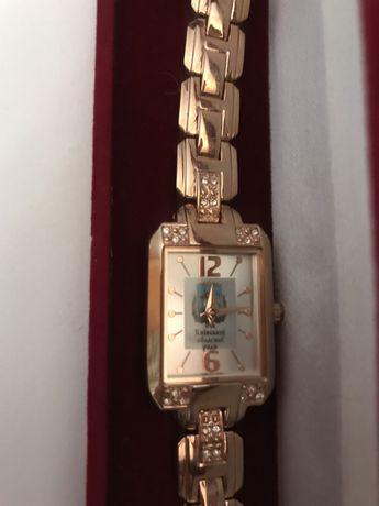 Часы женские новые Від київської обласноі ради