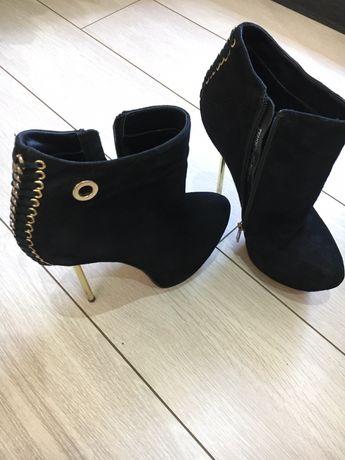 Ботильоны, ботинки Sasha Fabiani замш