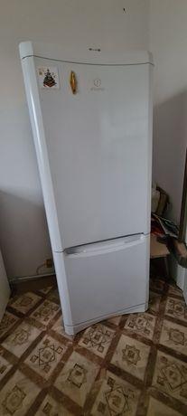 Do sprzedania lodówka Indesit BAAN 10