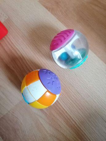 Kule sensoryczne dla niemowląt i małych dzieci.