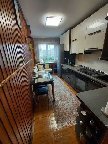 Терміновий продаж 3 кім квартири прс Червоної Калини