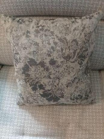 Подушка перьевая диванная