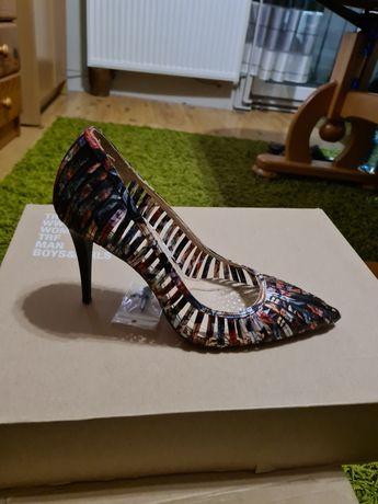 Sprzedam buty firmy Zara