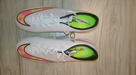 Zamienie lub Sprzedam korki: adidas lanki, nike wkręty.