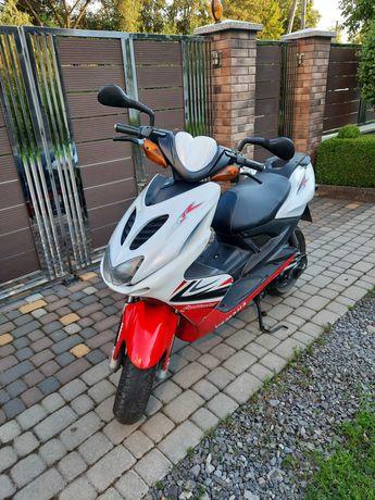 Скутер Yamaha Aerox R