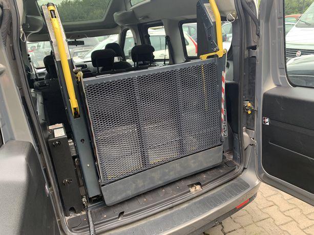 Winda Ricon do transportu osób na wózku inwalidzkim