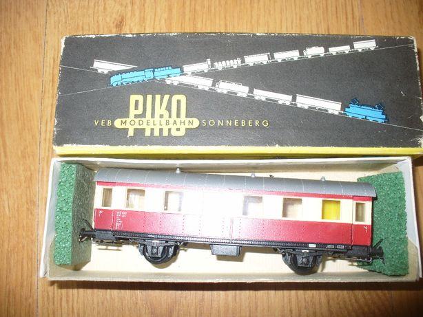 Piko wagon doczepny VT 135 w skali H0 1:87 kolejka makieta