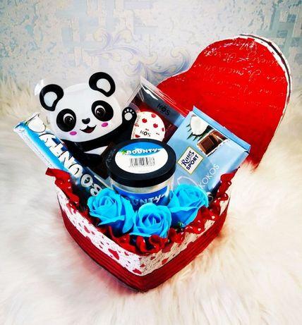 Подарочный набор сладкий бокс из конфет подарок на 14 февраля девушке