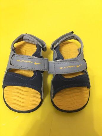 Босоножки, сандали Nike