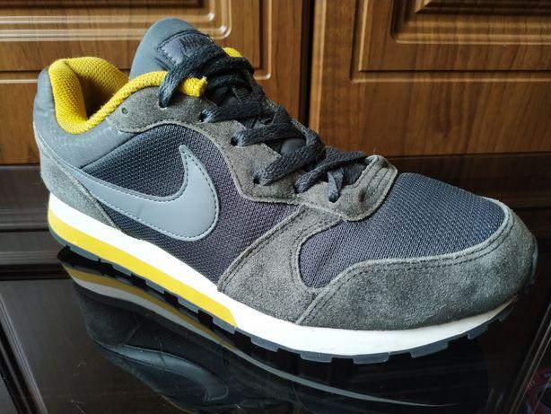 Кожаные кроссовки Nike MD Runner 41 - 42 оригинал new balance Reebok