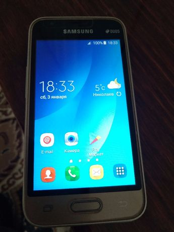 продам смартфон Samsyng Galaxi j1mini