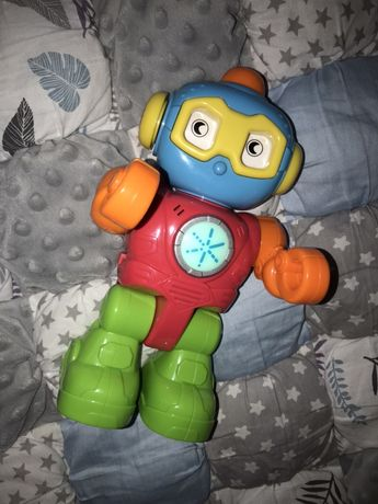 Перший робот музична іграшка
