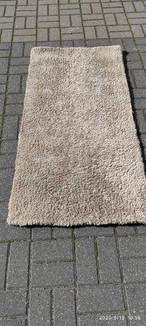 Sprzedam dywanik wym 140x70