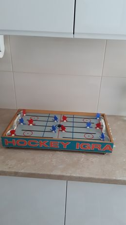 Gra stołowa PRL-u hokej