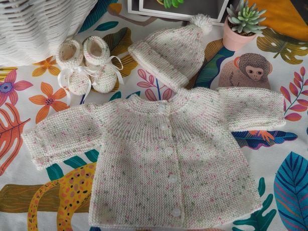 Conjuntos em tricot para bebé