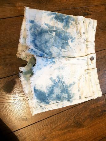 Spodenki w stylu tie dye