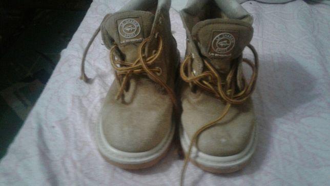 Ботинки на девочку или на мальчика