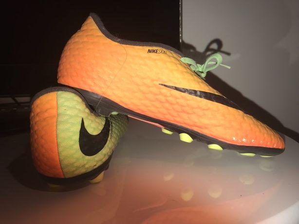 Chuteiras Nike Hypervenom