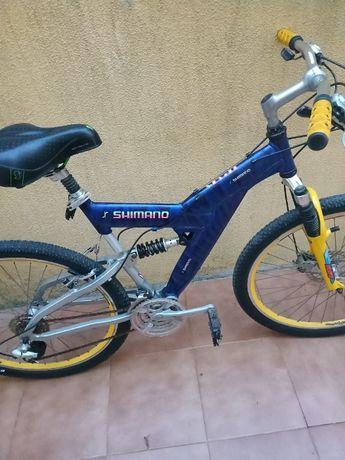 Vendo bicicleta shimano de 2005 com revisao completa