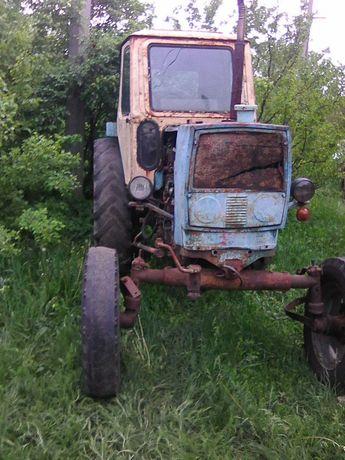 трактор юмз в рабочем состоянии
