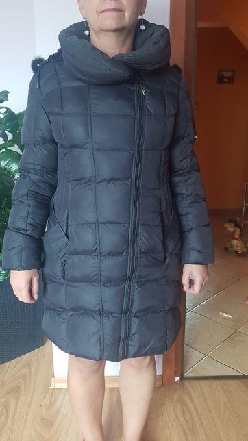 Płaszcz zimowy długi. Kurtka zimowa z kapturem