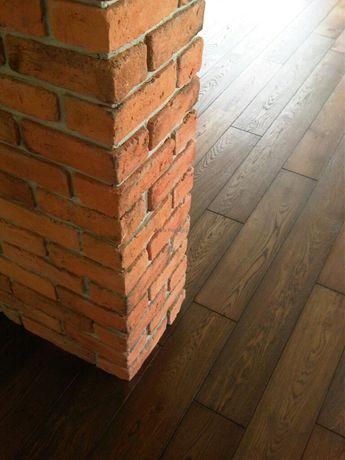 Kąty narożniki cięte ze starej cegły płytki z cegły stara cegła
