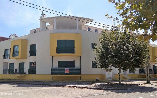 Apartamento T2 Venda em Vieira de Leiria,Marinha Grande