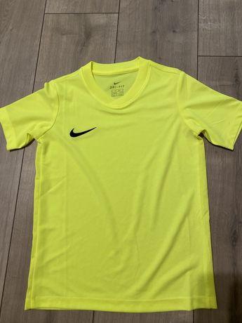 Dri-fit Nike 122-128
