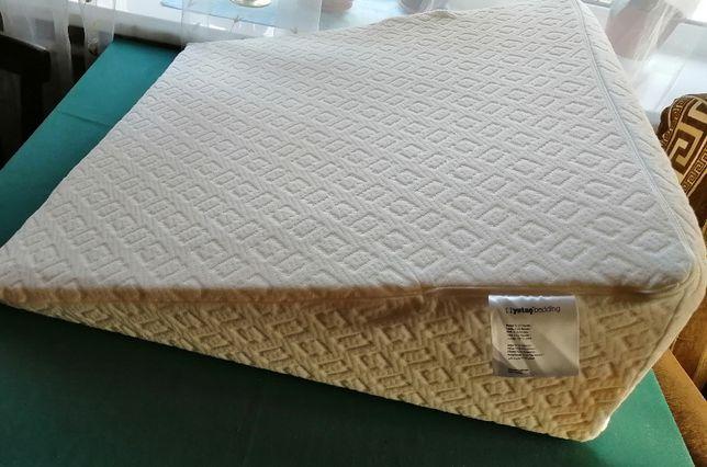 Клиновидная (ортопедическая) подушка
