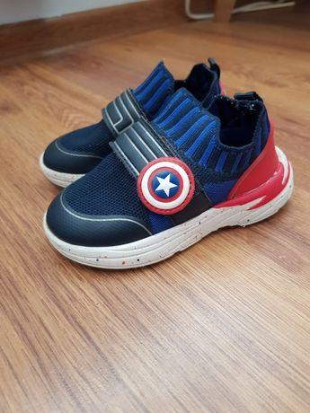 Sprzedam buciki Marvel Zara oraz buty sportowe Adidas