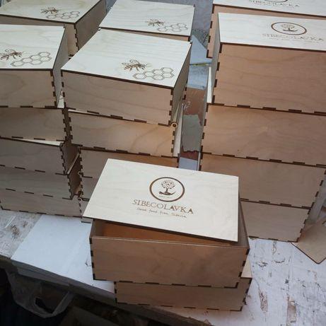 Коробки из дерева фанеры с логотипом боксы коробочки подарочные