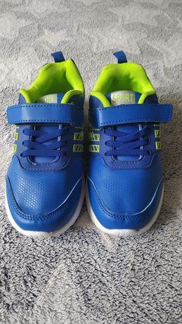 Нові кросівки для хлопчика, синього кольору,розмір 31