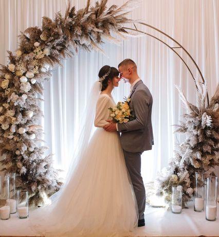 Весільна сукня Вараш