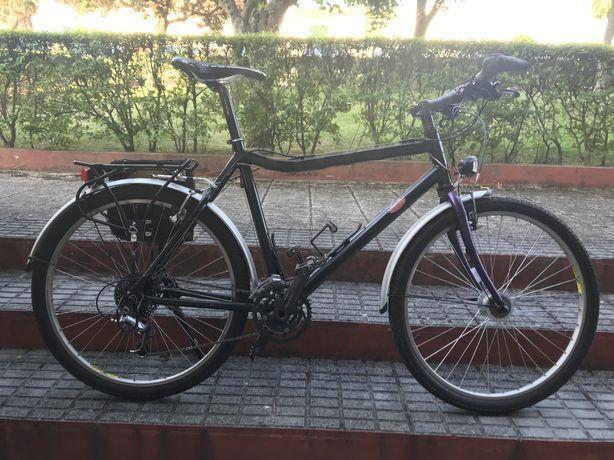 Vendo bicicleta passeio ou cicloturismo com cubo dinamo