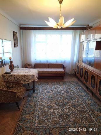 Продам 3-кімнатну квартиру в центрі міста