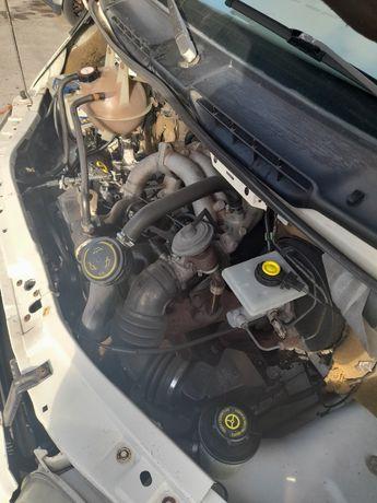 Ford Transit 2.5 turbo diesel, 7 lugares, impecável.