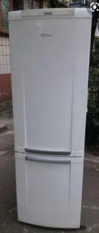 Холодильник Electrolux 200 см