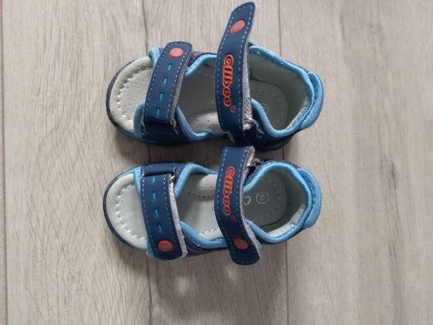 Sandałki chłopięce roz 19
