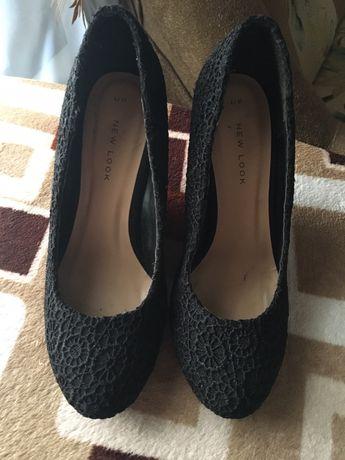 Чёрные замшевые туфли на танкетке New Look