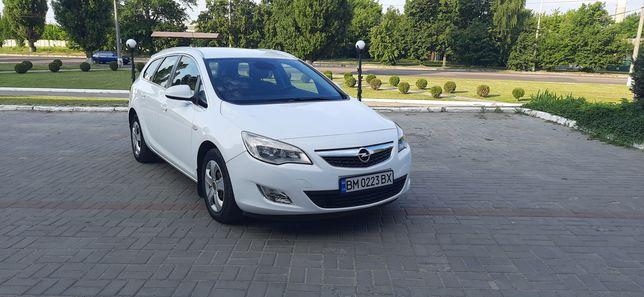 Opel Astra J 2012г.