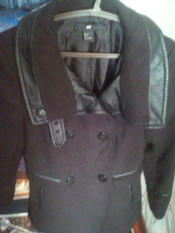 фирменное пальтишко H&M