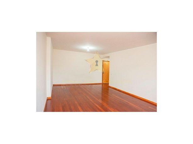 Apartamento T2 em Condomínio Fechado em Leça da Palmeira.
