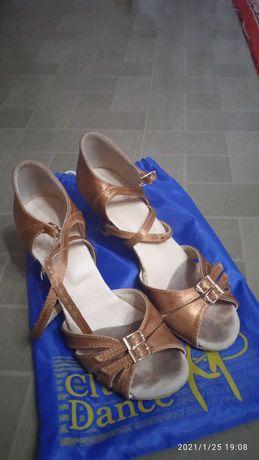 Детская обувь , танцевальные туфли