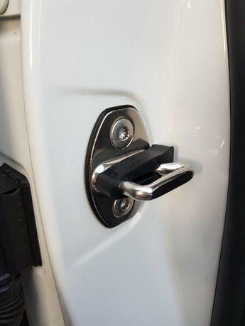 Упор замка двери VAG, Демпфер Накладка на петлю замка .VW.Audi.Skoda