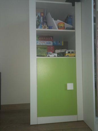 Mała komoda do pokoju dziecięcego