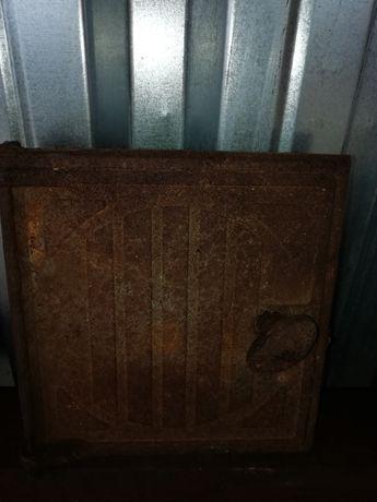 Чугунные дверцы