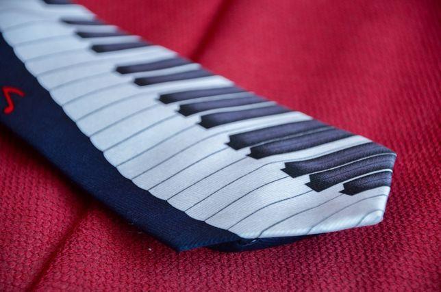Krawat w klawisze