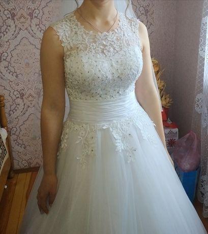 Продам дуже ніжну весільну сукню