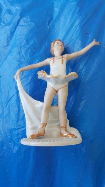 figurka porcelanowa .