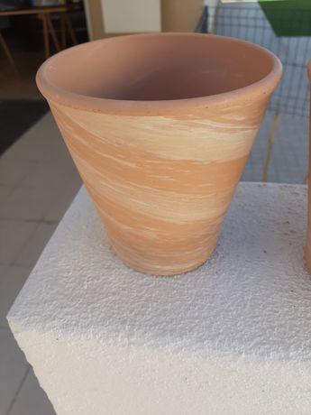 Vende se Vasos de barro pintados novos